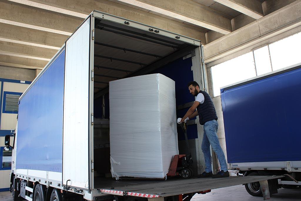 autista carico camion